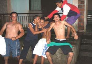 20081220082310-muchachos.jpg