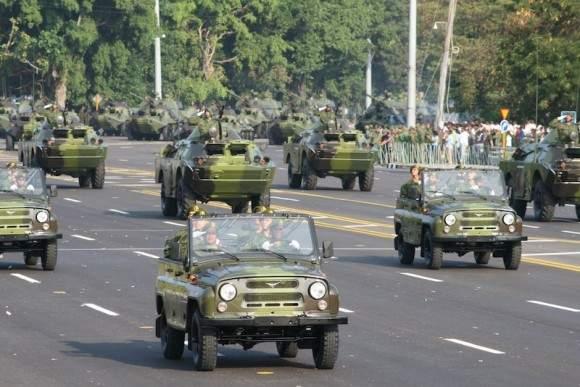 20110416225309-desfile-militar-7.jpg