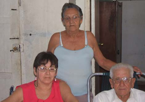 20120921020420-familiacaraballo.jpg