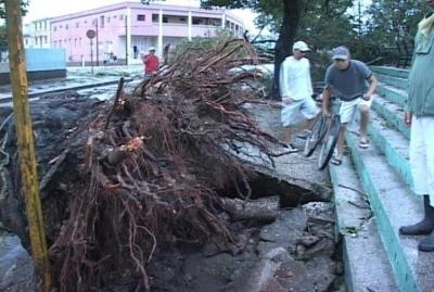 20121107151713-huracan-sandy-santiago-de-cuba-02.jpg