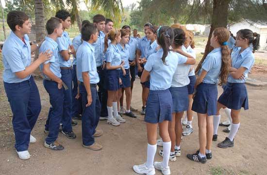 20130510073753-estudiantes-de-pre-ok-353532.jpg