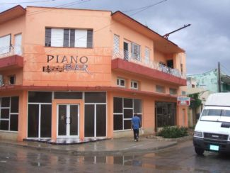 20080810092800-recien-estrenado-piano-bar1.jpg