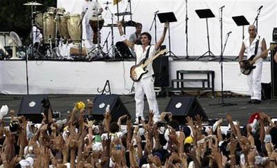 20090921034648-juanes-paz-1.jpg