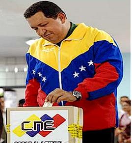 20100928083536-chavez-vota-27sept.jpg