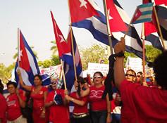 20110501135939-desfile4tunas-jorge-perez.jpg