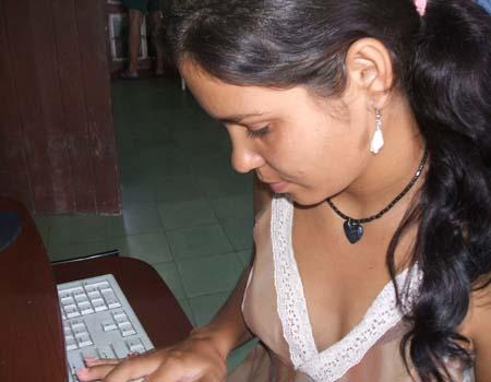 20110825150423-yelaweb.jpg