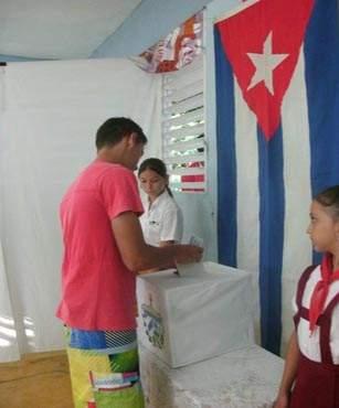 20130204171824-elecciones-joven-vota.jpg