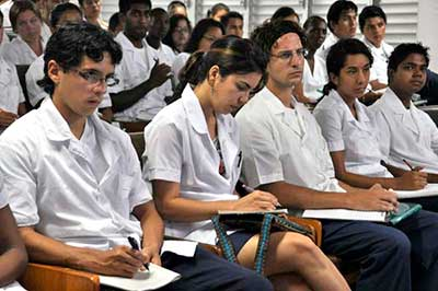 20151128125620-estudiantes-medicina-13-2.jpg