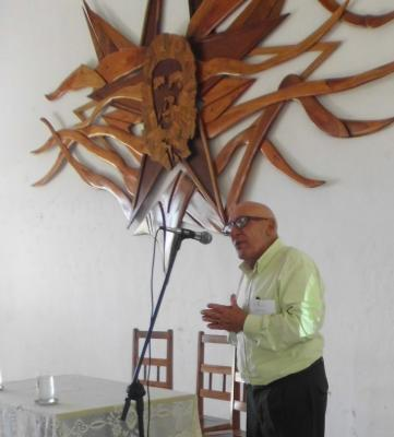 20170620054232-apertura-del-taller-por-el-dr.-alberto-mendez-barcelo.jpg