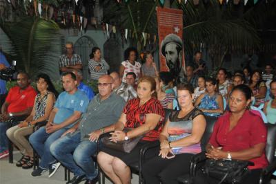 20190908194616-barrio-debate-tunas1.jpg